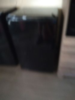 GE black mini fridge for Sale in West Columbia,  SC