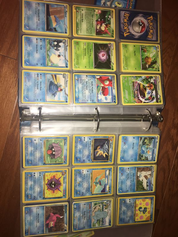 Binder of pokemon cards over 600 cards