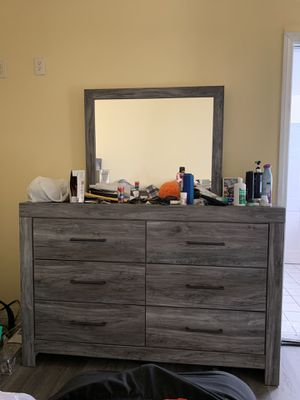 Ashley Dresser. Practically new. Bought new in Nov 2019. for Sale in Avocado Heights, CA