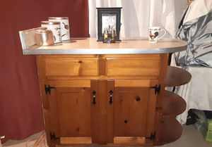 Mini kitchen island/ bar for Sale in Nashville, TN