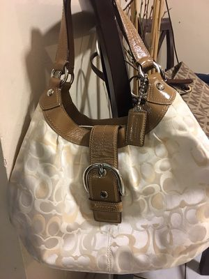 Coach leather hobo bag for Sale in Hialeah, FL
