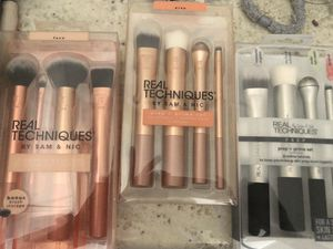 ***Beauty Techniques brushes and more*** for Sale in Katy, TX