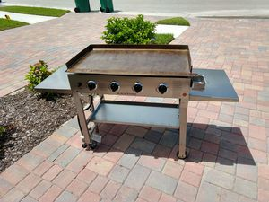 Blackstone 36 inch Stainless Steel Outdoor Cooking Gas Grill Griddle Station - WITH EXTRA PARTS for Sale in Naples, FL