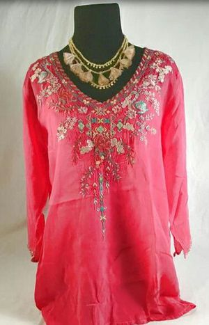 JOHNNY WAS Hot Pink Swan Embroidred Tunic for Sale in Roswell, GA