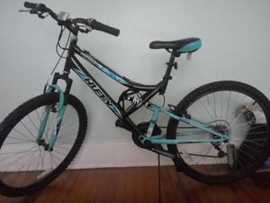 """Ladies Huffy Trail Runner, 21"""" tires for Sale in Bartow, FL"""