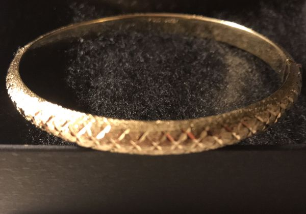 Beautiful gold hinged bangle bracelet, sterling silver