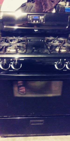 Whirlpool , stove, microwave, appliances for Sale in El Paso, TX