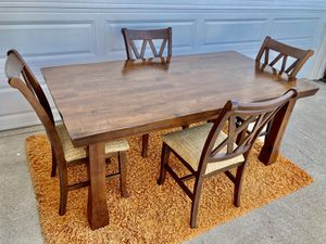 World market Dining Table & 4 chairs for Sale in Newport Beach, CA