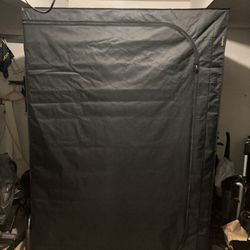 5x5 grow tent with veg and flower lights for Sale in Portland,  OR