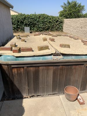 FREE Outdoor Jacuzzi Hot Tub for Sale in Riverside, CA