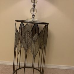 Silver Mirror Accent Table for Sale in Lynnwood,  WA