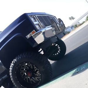 8 Lug Chevy Rims Tires for Sale in San Bernardino, CA