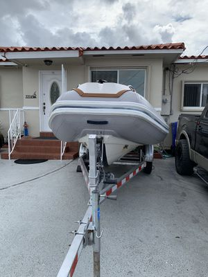 "Boat 2007 15"" motor envirude 60 mp perfectas condiciones listo para el agua for Sale in Miami, FL"