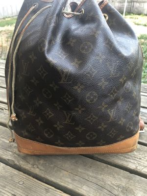 AUTHENTIC LOUIS VUITTON for Sale in Tacoma, WA