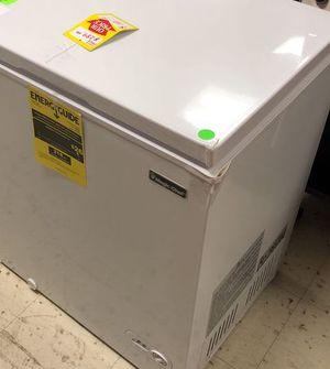Magic Chef Freezer 1AFQU for Sale in San Antonio, TX