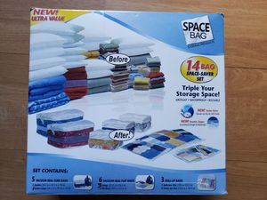 Space Bag Travel Variety Pack 11 Bags 5 Cube Bags 5 Flat bags 3 Roll up Bags for Sale in Hollywood, FL
