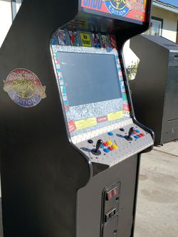 Excellent Street Fighter Arcade Game With 1660 Games. Free Delivery for Sale in Huntington Beach,  CA