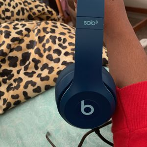 Beats Solo3 Bluetooth Headphones Can Pick Up If Near Crestview Comes With Case Too With Charger GREAT CHRISTMAS GIFT !!! for Sale in Crestview, FL
