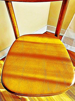 Wooden Shelby Williams Industries MCM chairs (4) with leather seat cushion. for Sale in Curtis Bay, MD