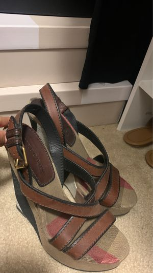 Burberry wedges size 39 for Sale in Beaumont, CA