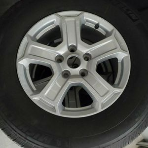 JEEP WRANGLER WHEELS/TIRES for Sale in Chicago, IL