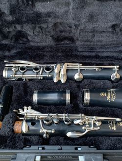 Clarinet (Perfect Condition .NEVER USED ) for Sale in Rockdale,  IL