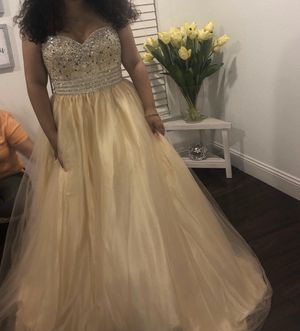 Quinceanera dress for Sale in TWN N CNTRY, FL
