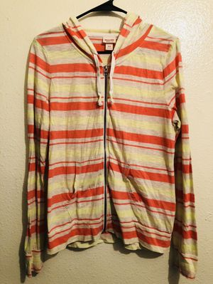 Sweater size M for Sale in Bell, CA
