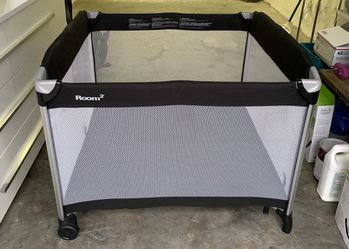 JOOVY ROOM2 WITH BASSINET ADAPTER for Sale in Fort Lauderdale,  FL