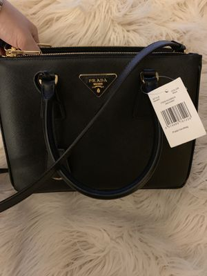 Prada Medium Saffiano Bag in Black-new with tags for Sale in Las Vegas, NV