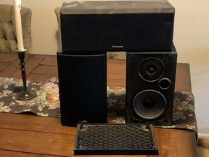 Home theatre speakers for Sale in Benicia, CA