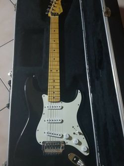 Fender Strat for Sale in San Diego,  CA