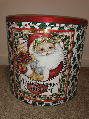 Big vintage popcorn tin Santa Clause Christmas Holly decor for Sale in Ashburn, VA