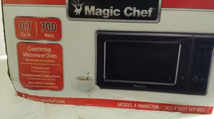 Magic Chef microwave 0.7 cu. ft. 700w NEW for Sale in Norwalk, CA