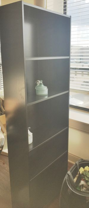 Bookshelve high like new for Sale in Orland Park, IL
