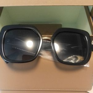 Burberry Charlotte Women's Sunglasses for Sale in Redmond, WA
