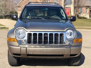 2005 JEEP LIBERTY LIMITED 4x4 for Sale in Phoenix, AZ