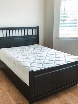Full Size Bed With Mattress Set for Sale in Everett,  WA