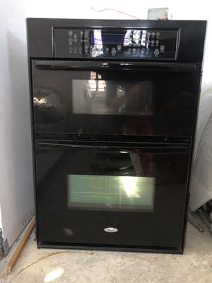 "Whirlpool 30"" in wall oven & Microwave combo for Sale in Claremont, CA"