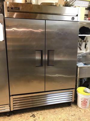 True 2 door restaurant refrigerator for Sale in Bellevue, WA