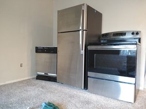 G E kitchen appliances stainless steel set for Sale in Federal Way, WA