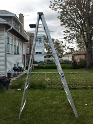 Louisville Ladders 10 ft. Aluminum Step Ladder with 300 lbs. Load Capacity Type IA Duty Rating for Sale in Chicago, IL