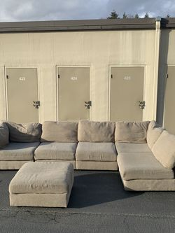 Sectional Couch 6 Piece - Free Deliver for Sale in Kent,  WA