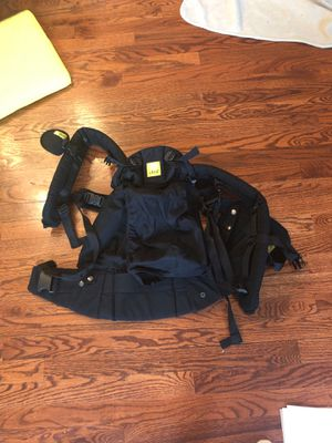 Lille baby carrier for Sale in Jersey City, NJ