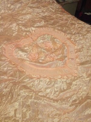 Full bedspread with 2 pillow shams for Sale in NO POTOMAC, MD