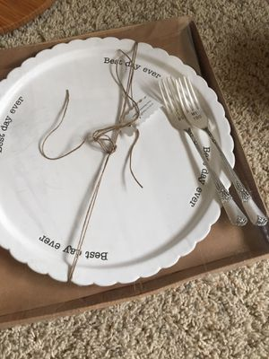 Mud Pie Wedding cake plate and forks NEW for Sale in Newberg, OR