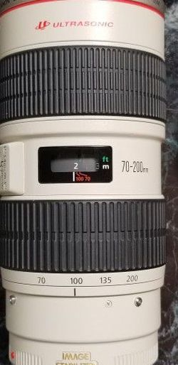 Canon EF 70-200mm 70-200 F2.8 L IS for Sale in Fallbrook,  CA