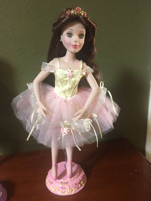 Disney's beauty and the beast belle porcelain doll for Sale in Fremont, CA