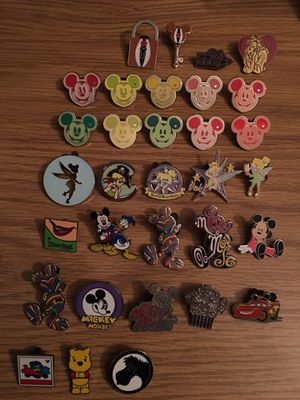 Disney pin bundle with hidden mickeys! for Sale in Watchung, NJ