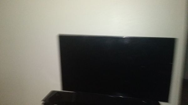 Two tvs BROKEN. NOT SURE IF THEY CAN BE FIXED.